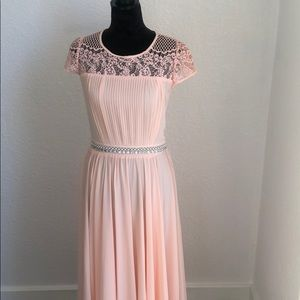 Blush pink lace maxi dress. Short sleeves. Size S